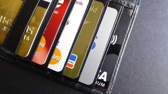 Should You Own More Than 1 Credit Card?