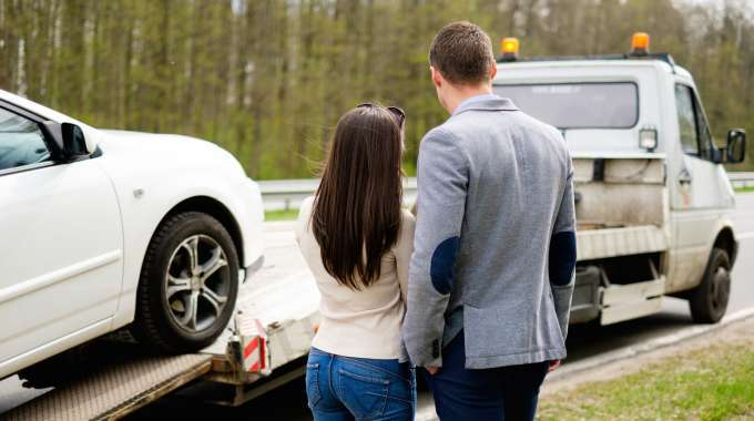 Canadians who have a history of car repossession on their credit report will often have a more difficult time getting approved for an auto loan. These 5 tips can help someone get an auto loan with bad credit after vehicle repossession.