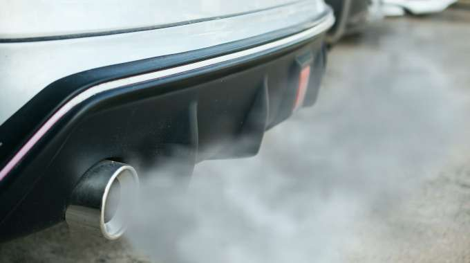carbon emissions from car exhaust