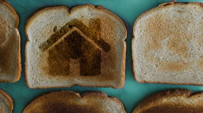 Toast with House Design imprinted